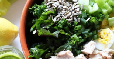 Kale & Tuna Salad with Parsley Vinaigrette